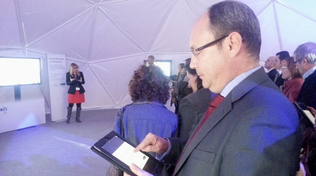 Cómo utilizar una tablet para un showroom